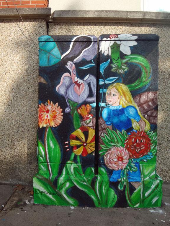 Alice sur les boites à feu