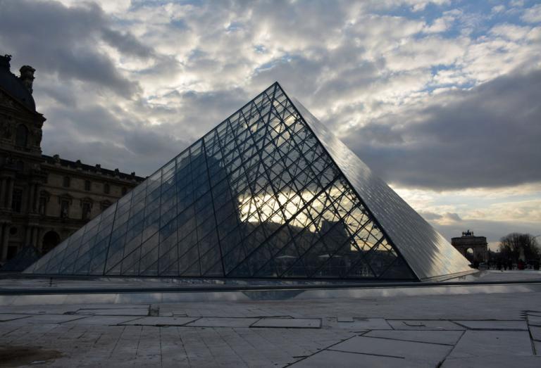 Pyramide (BAC4)