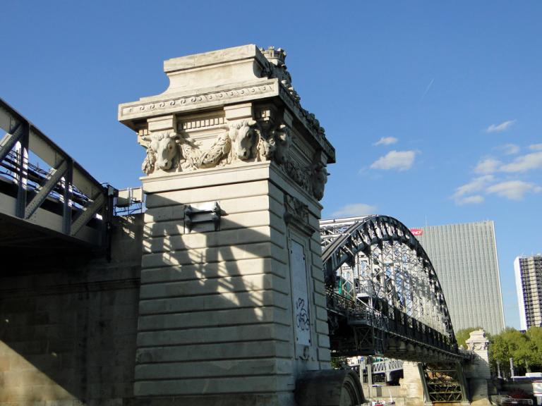 Pilier du viaduc d'Austerlitz