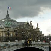 Chevaux dans le ciel parisien