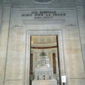 Aux écrivains morts pour la France