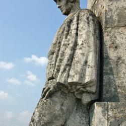 monument3b