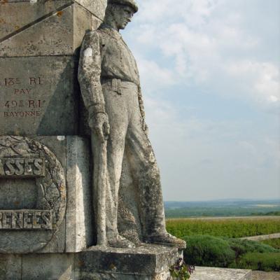 monument3c